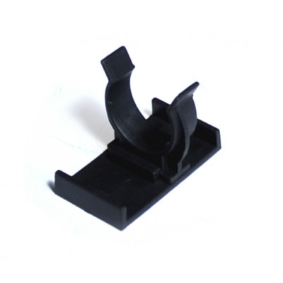 Clip for adjustable plinth leg